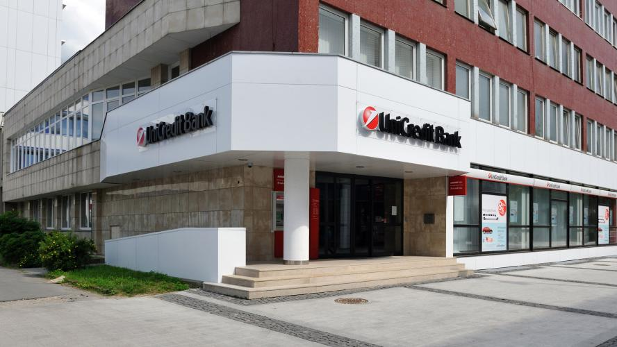 Interiérový dizajn pre Unicredit Bank